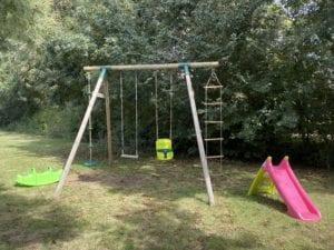 Balançoire - Espace de jeux - Espace vert- Résidence Romaric - Vacances